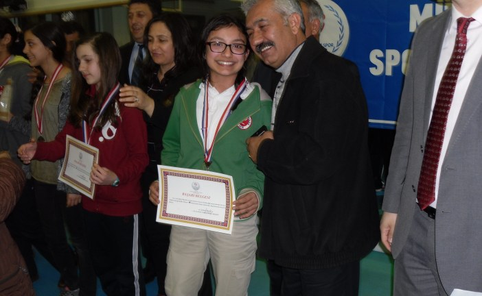Okullararası Satranç Turnuvasında Madalya Başarısı